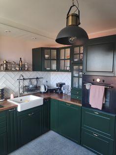 Green Kitchen Cupboards, Green Kitchen Cabinets, Boho Kitchen, Kitchen Design, Ikea Bodbyn Kitchen, Sliding Cupboard, Home Renovation, Kitchen Remodel, Kitchens