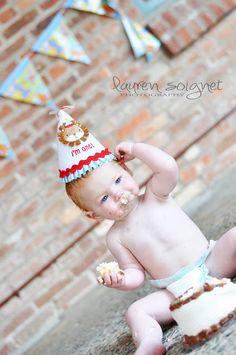 lauren soignet photography- smash cake Boy Birthday Parties, Baby Birthday, Birthday Ideas, Cake Smash Photography, Photography Ideas, Baby Time, First Birthdays, Smash Cakes, Baby Boy