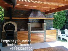 PERGOLAS Y QUINCHOS Outdoor Kitchen Grill, Backyard Kitchen, Outdoor Kitchen Design, Patio Design, Backyard Patio, Open Shed, Rustic Basement Bar, Parrilla Exterior, Built In Braai