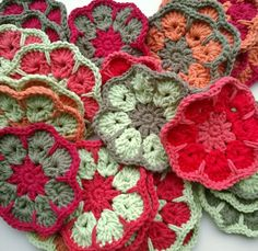 waar ik mee bezig ben... - jellina-creations - blog: can make these African flowers blocks into squares; discussion
