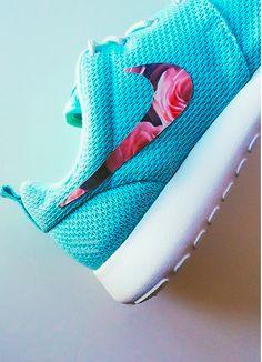Nike shoes Nike roshe Nike Air Max Nike free run Nike USD. Nike Nike Nike love love love~~~want want want! Nike Shoes Cheap, Nike Free Shoes, Nike Shoes Outlet, Running Shoes Nike, Cheap Nike, Cute Shoes, Me Too Shoes, Store Nike, Nike Roshe Run