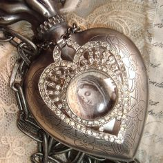 ♚ heart ( applications other than   altered jewelry)...i want this sooooooo bad......