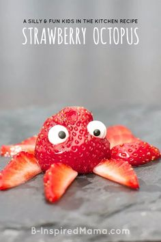 How cute is this easy and yummy strawberry octopus! Fun snack for home or classroom! From Moms and Munchkins Finding Dory Party Ideas Toddler Meals, Kids Meals, Toddler Food, Kitchen Recipes, Baby Food Recipes, Snacks Recipes, Kitchen Tools, Kitchen Gadgets, School Snacks