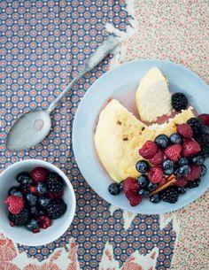 Homemade cheese and berries, Olivia Magazine Homemade Cheese, Camembert Cheese, Oatmeal, Berries, Dairy, Healthy Eating, Breakfast, Magazine, Food