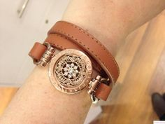 Wear your favourite Nikki coins in a new way with a fabulous Nikki Lissoni bracelet! Vintage Flowers, Fashion Accessories, Pendant, Clothing Ideas, My Style, Bracelets, Silver, Coins, Leather