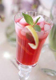 hibiscus and citrus iced tea <3