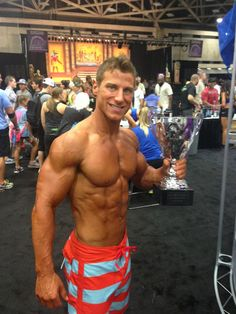 Congratulations to Tim McComsey, Sunwarrior ambassador and owner of Trym Fitness, who won first place in Men's Physique at the #DallasEuropa Expo on Saturday! #bodybuilding #fitness