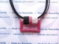 2014/054 - Pendentif + Cordon - style carré évidé - tissage peyote - perle rose, blanc et noir : Pendentif par sanorelia