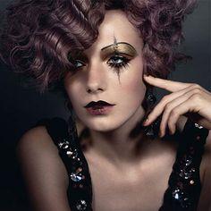 Lovely evening semi-goth makeup look 1920s Makeup, Goth Makeup, Glamorous Makeup, Clown Makeup, Costume Makeup, Halloween Makeup, Beauty Makeup, Eye Makeup, Hair Makeup