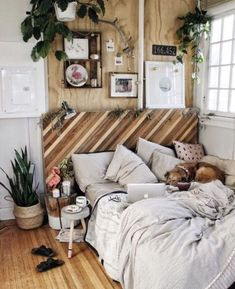 Rustic Bedroom Ideas - If you intend to go to rest in rustic posh after that this post is excellent for you. We have actually gathered a great deal of rustic bedroom layout ideas you can use. Dream Rooms, Dream Bedroom, Home Decor Bedroom, Bedroom Ideas, Master Bedroom, Cozy Bedroom, Bedroom Designs, Bedroom Curtains, Bedroom Art