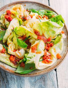 Herbed Tomato Vinaigrette - Recipes | Tuttorosso Salad Bowls, Soup And Salad, Tomato Vinaigrette Recipe, Vegan Gluten Free, Vegan Vegetarian, Sauces, Preserving Tomatoes, Salad Ingredients