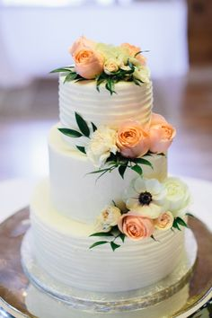 Elegant Atlanta Peach Wedding with New Orleans Style details Wedding Cake Fresh Flowers, Fresh Flower Cake, Beautiful Wedding Cakes, Beautiful Cakes, Cake Flowers, Flower Cakes, Bolo Floral, Floral Cake, Wedding Cake Inspiration
