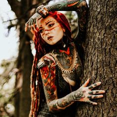 Whether for dance, performance or evening glam, the Golden Dragon shoulder harness is truly empowering! Makeup Inspiration, Character Inspiration, Wow Video, Tribal Warrior, Cat Character, Goth Makeup, Fantasy Photography, Grunge Hair, Fantasy Makeup