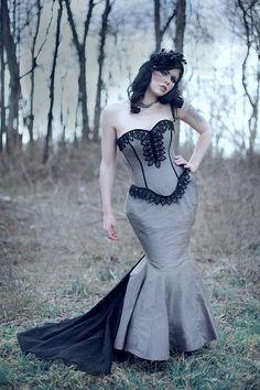 STEAMPUNK WEDDING GOWNS | Steampunk Wedding Gown Mermaid Silhouette A Dark ... | Halloween + Go ...