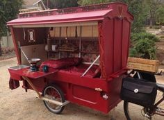 Cool! It's like a food truck! mobile kitchen, mobile canteen, roach coach, o…