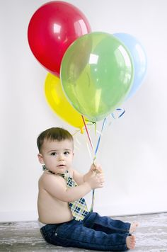first birthday pics. smash the cake pics. One year picture ideas. fort wayne indiana photographer