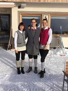 Isabeau vom Service, Aniko von der Bar und unser Sommelier Daniel Sport, Winter Jackets, Bar, Fashion, Winter Vacations, Deporte, Winter Coats, Moda, Winter Vest Outfits