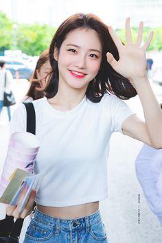 愼 ☼ ριητεrεsτ policies respected.( *`ω´) If you don't like what you see❤, please be kind and just move along. Medium Hair Styles, Short Hair Styles, Iu Hair, South Korean Women, Teen Images, Asian Short Hair, Pretty Korean Girls, Korean Actresses, Seong