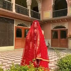 Indian Bridal Photos, Indian Bridal Outfits, Indian Bridal Fashion, Indian Bridal Wear, Indian Wedding Video, Wedding Videos, Bridal Songs, Bride Entry, Wedding Lehenga Designs
