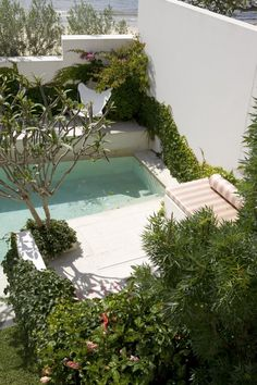 How make a beautiful spot like this next to swimming pool? Swimming Pool Pond, Swimming Pool Designs, Fresco, Small Pool Design, Door Gate Design, Portugal, Pool Cabana, Backyard Water Feature, Garden Pool