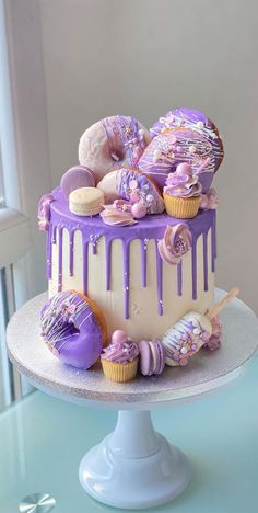 Modern Birthday Cakes, Candy Birthday Cakes, Creative Birthday Cakes, Adult Birthday Cakes, Beautiful Birthday Cakes, Latest Birthday Cake, Baby Birthday, Birthday Cake Ideas For Adults Women, Cakes For Teenagers