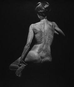 White pencil on black White Pencil, Drawing Techniques, Philadelphia, The Darkest, Statue, Drawings, Black, Art, Tela