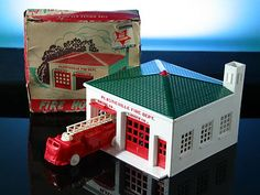 PLASTICVILLE FIRE HOUSE ENGINE TRUCK BACHMANN VINTAGE 1956 TRAIN ACCESSORY #vintagetoys