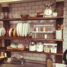 狭いキッチンも諦めないで!賢く使うコツを紹介します♪ Small Kitchen Decor, Interior Design Diy, Kitchen Decor Inspiration, Home Kitchens, Interior, Kitchen Design, Cozy Decor, Kitchen Dining Room, Apartment Decor