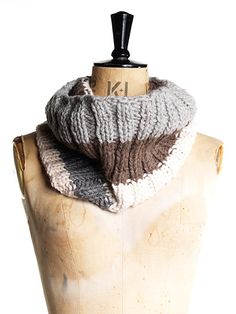 striped beginner cowl free knitting pattern