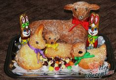 Recept Velikonoční beránek - velký i malý Gingerbread Cookies, Glass, Food, Basket, Gingerbread Cupcakes, Drinkware, Corning Glass, Essen, Meals
