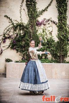 El traje de la Dansà | Actualidad Fallera - portal dinámico sobre las Fallas de Valencia.