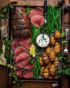 Picture perfect reverse-sear and hasselback setup from the ? - Platters Picture perfect reverse-sear and hasselback setup from the ? I Love Food, Good Food, Yummy Food, Tasty, Yummy Lunch, Beef Recipes, Cooking Recipes, Healthy Recipes, Chicken Recipes