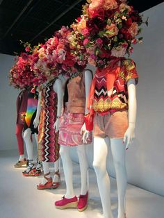 printemps paris – Expolore the best and the special ideas about Store window displays Fashion Window Display, Window Display Design, Store Window Displays, Spring Window Display, Fashion Displays, Retail Displays, Shop Displays, Visual Merchandising Displays, Visual Display