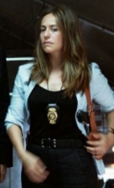 Female Police Officers, Military Women, Cops, Leather Jacket, Women's Fashion, Watches, Woman, Jackets, Female Cop