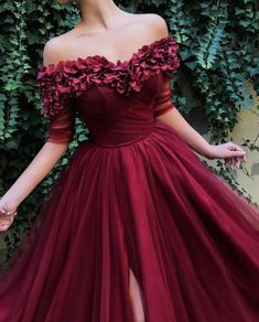 kleider zeichnen Fuchsia a-shoulder chiffon applique PROM gown off-the-shoulder applique gown Cheap Semi Formal Dresses, Inexpensive Prom Dresses, Elegant Dresses, Pretty Dresses, Awesome Dresses, Lace Evening Dresses, Discount Prom Dresses, Quince Dresses, Cheap Prom Dresses