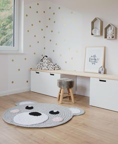 Scandinavian: Decorate children's room with white furniture . - Scandinavian: Decorate children's rooms with white furniture and wood. Great carpet with a bear motif. Baby Room Boy, Baby Bedroom, Girl Room, Girls Bedroom, Kid Bedrooms, Child Room, Boy Rooms, Baby Boy, Nursery Set Up