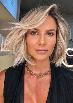 Modern Styles Of Short Haircuts for Girls in Year 2020   Stylezco Girls Short Haircuts, Short Hairstyles For Women, Hairstyles Haircuts, Short Hair Lengths, Short Hair Cuts, Short Hair Styles, Fresh Hair, Get Fresh, Gorgeous Hair