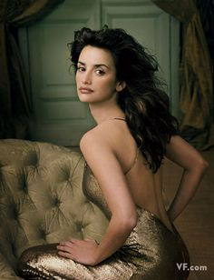 Penelope Cruz by Annie Leibowitz  Vanity Fair Sept 2001