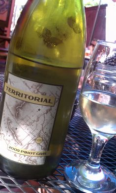 Territorial Vineyards Pinot Gris '09 - click for review