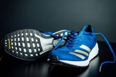 Thomas and Robbe review the always popular Adidas Boston 8 trainer. Adidas made small improvements that keep the character you love. Running Clothing, Running Shoes, Where's My Wife, Tempo Run, Lit Shoes, Road Running, Pretty Lights, Second Best, Blue Moon