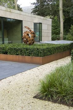 MdR 21612-85 Robert Broekema, Rob & Renee Drake Pinned to Garden Design by Darin Bradbury.