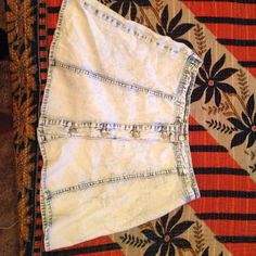 Cute skirt Cute vintage skirt , washed out color. Basically new Gypsy warrior Skirts Circle & Skater