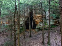 Chapel Cave in Hocking Hills, Ohio Camping In Illinois, Camping In Ohio, Yosemite Camping, Ohio Hiking, Camping Store, Camping Cabins, Beach Camping, Hiking Trails, Camping Gear