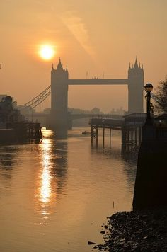 London Tower Bridge   -  built 1886-1894  -  over the River Thames (pronounced Tim's) near the Tower of London   -   Victorian Gothic architecture  -  800-feet long  -  towers 213 feet high  -