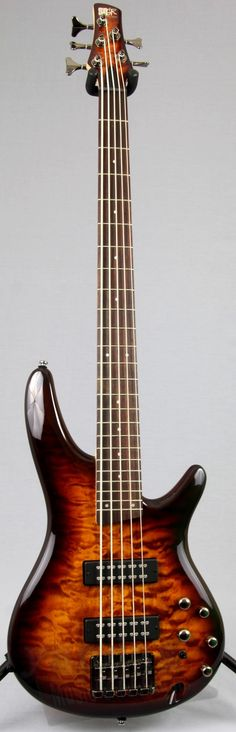 Ibanez SR405EQM 5-String Bass Guitar For over 25 years, Ibanez has been offering players a sleek, comfortable design with cutting edge features. The SR405EQM carries on this tradition with it's light