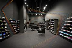 2 run colors sneaker store by modelina architekci Run Colors sneaker store by Mode:lina Architekci