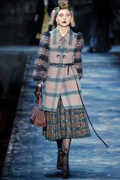 Marc Jacobs Fall 2015 Ready-to-Wear Fashion Show - Cierra Skye (One)
