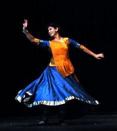Kathak Costume, Bollywood Costume, Kathak Dance, Indian Classical Dance, Best Dance, Incredible India, Pose Reference, Dance Costumes, The Incredibles