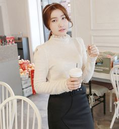 [MIAMASVIN] KNIT BLOUSE WITH LACE DETAIL