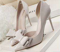 Sexy Bowtie Cut Out Women Pointed Toe Thin Heel Shoes
